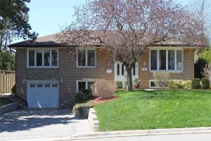 10 Fairhill Cres, Toronto