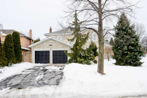 48 Greenbush Pl, Whitby
