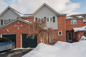 37 Woodward Dr, Whitby