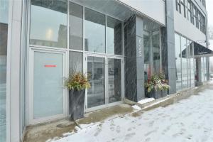 625 Queen St E, Toronto