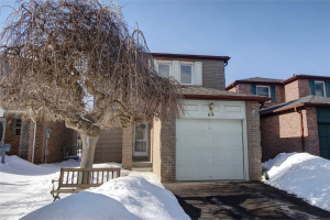 69 Fisher Cres, Ajax