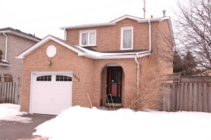 1863 Larksmere Crt, Pickering