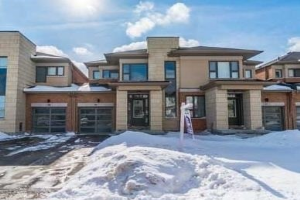 55 Barrister Ave, Whitby