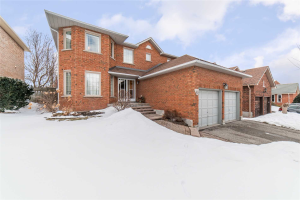 48 Forest Heights St, Whitby