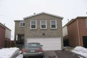 2052 Duberry Dr, Pickering