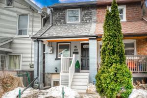 298 Rhodes Ave, Toronto
