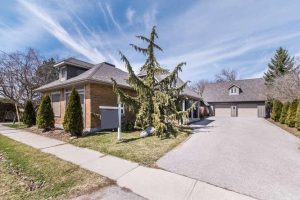 1740 Central St, Pickering