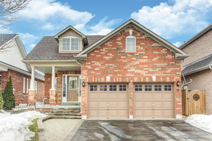 11 Root Cres, Ajax