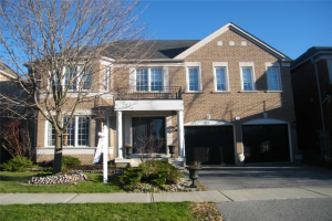 36 Peacock Cres, Ajax