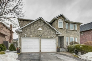 590 Strouds Lane, Pickering