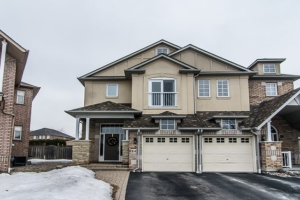 24 Dreamcrest Crt, Whitby
