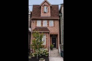 119 Carlaw Ave, Toronto