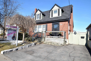139 Central Park Blvd N, Oshawa