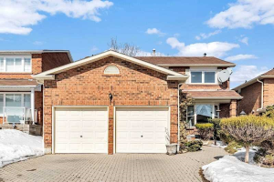 536 Lightfoot Pl, Pickering