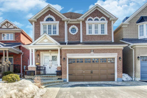 5 Napiermews Dr, Ajax