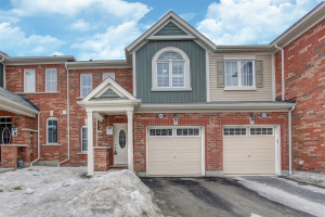 1035 Dragonfly Ave, Pickering