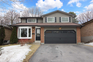 1734 Ada Crt, Pickering