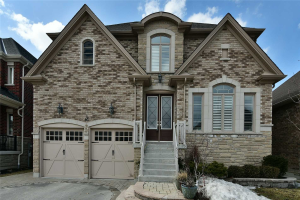 18 Coach Cres, Whitby