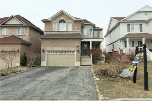 4 Brownridge Pl, Whitby