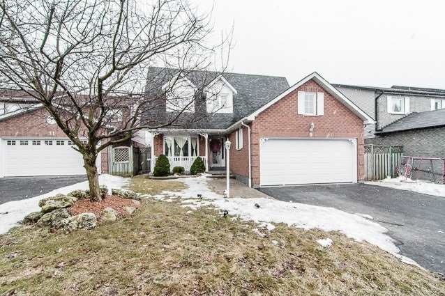 9 Upland Dr, Whitby
