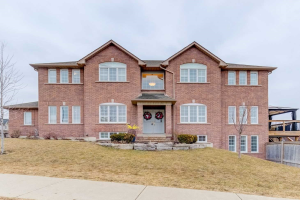 1 Aylesworth Ave, Clarington