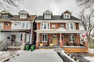 211 Fulton Ave, Toronto