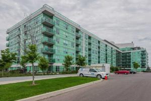 60 Fairfax Cres N, Toronto