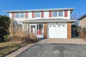 67 Cathedral Bluffs Dr, Toronto