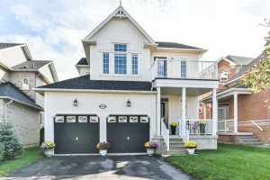 84 Helston Cres, Whitby