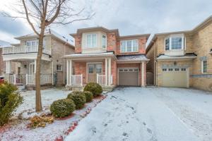122 Bell Estate Rd, Toronto