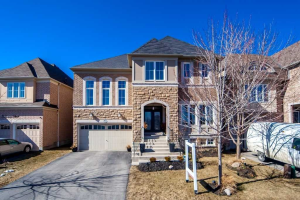 4 Bidgood Dr, Ajax