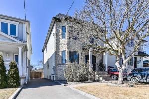1134 Greenwood Ave, Toronto