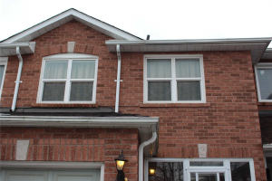 45 Booth Cres, Ajax