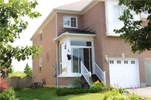 59 Candlebrook Dr, Whitby