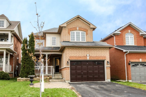 56 Fitzpatrick Crt, Whitby