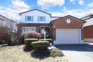 8 Downham Dr, Clarington