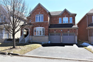 70 Dunwell Cres, Ajax