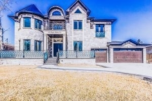 174 Twyn Rivers Dr, Pickering