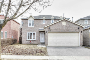 63 Pearce Dr, Ajax