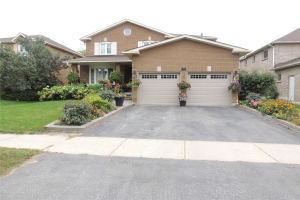 43 Lofthouse Dr, Whitby