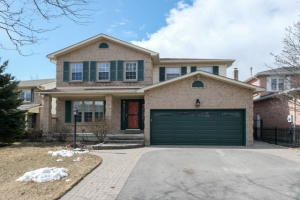 90 Fallingbrook St, Whitby