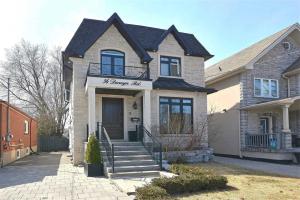 56 Derwyn Rd, Toronto