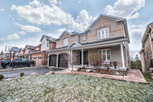 23 Sheldon Dr, Ajax