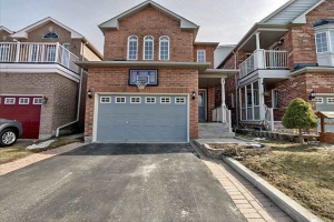 98 Howling Cres, Ajax