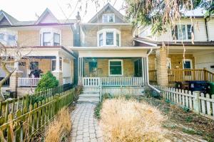 290 Waverley Rd, Toronto