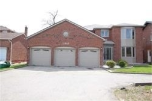 11045 Sheppard Ave