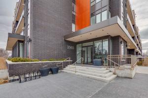3560 St Clair Ave E, Toronto