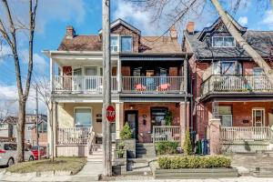 72 Earl Grey Rd, Toronto