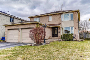 3 Lumsden Cres, Whitby