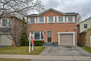 648 Strouds Lane, Pickering